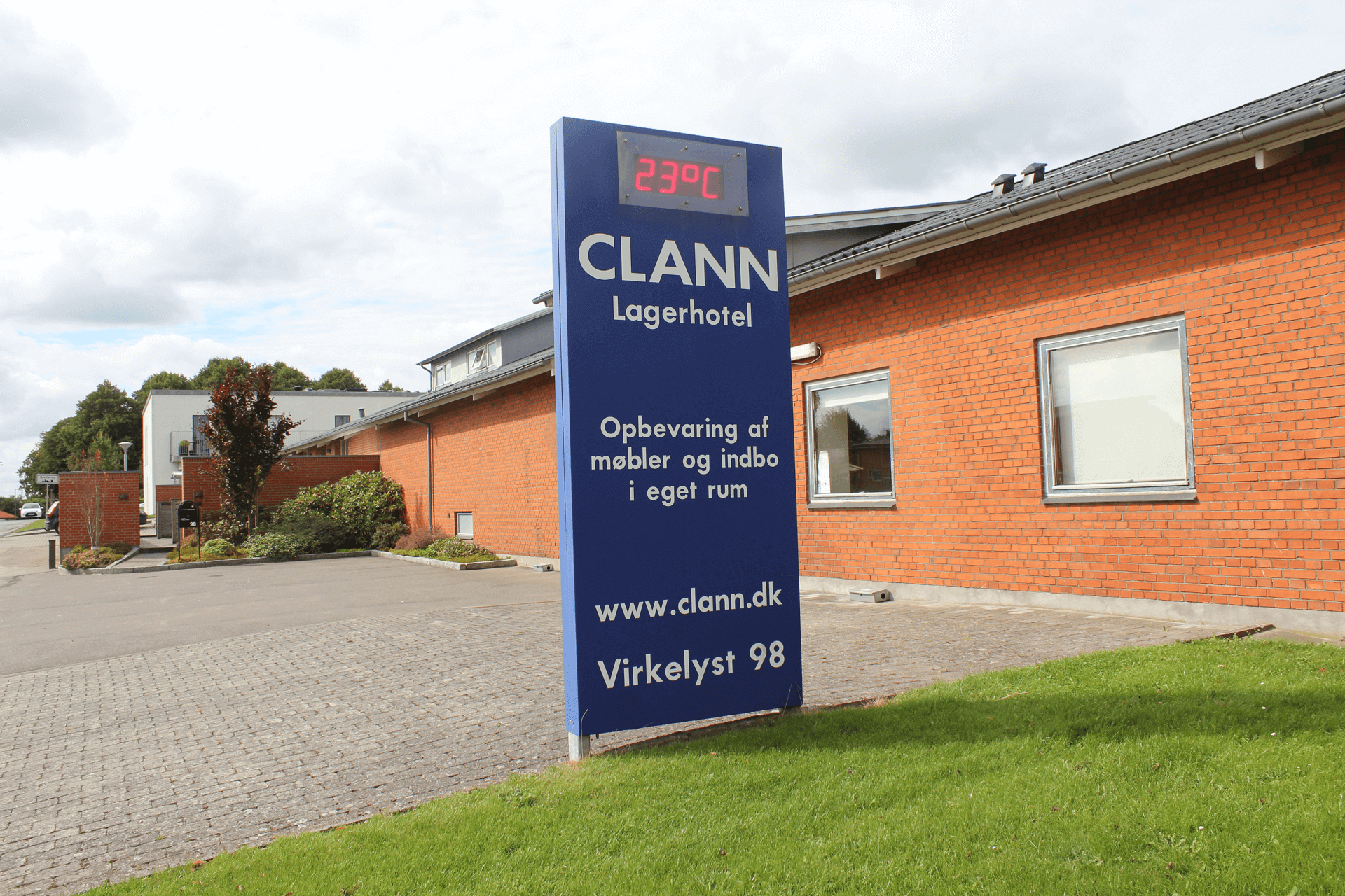 Facade hos CLANNs depotrum i Herning